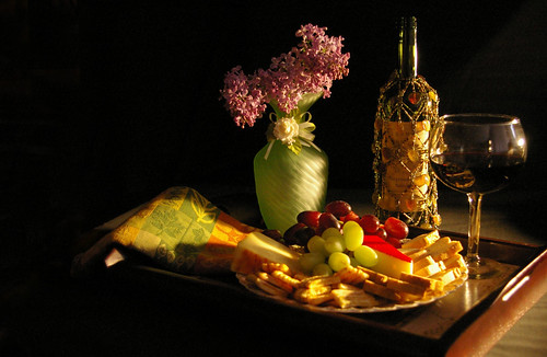 lighting flowers red stilllife green cheese wine seedless explore exposition lilac grapes crackers week21 explored rokudan classicstilllife sheyan feelingscolour thiswasnteasy 52oftwentyeleven