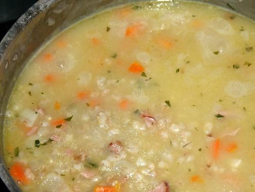 Zuppa di orzo / Graupensuppe