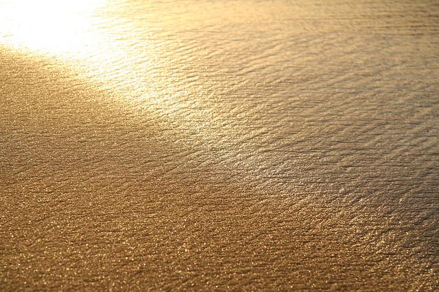 jeu de lumi re sur la plage guadeloupe quand la mer se. Black Bedroom Furniture Sets. Home Design Ideas