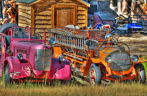 old travel pink blue orange usa mountain catchycolors photography nikon nevada sunny sierra nv handheld firetrucks nikkor sierranevada retired mountrose oldfiretrucks laddertrucks d700 afs70200mm highway431 mountrosehighway stateroute431