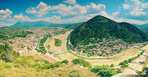 Berat (left) and Goricë neighborhood (right)