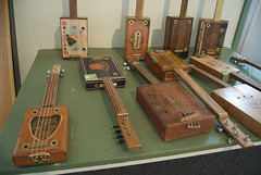 cigar box guitars by V'ron