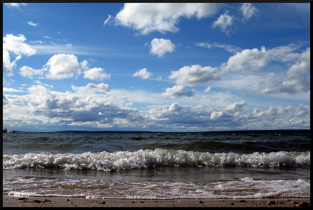 Lakeshore, Prince Albert National Park by CC user curacumba on Flickr