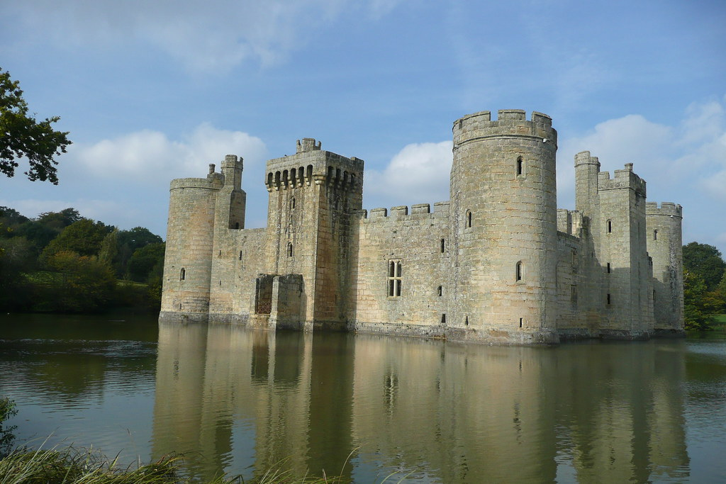 Bodiam Castle, Kent Bodiam Castle in Kent, following the Robertsbridge circular walk from Time Out Country Walks Book 2, Walk 20.