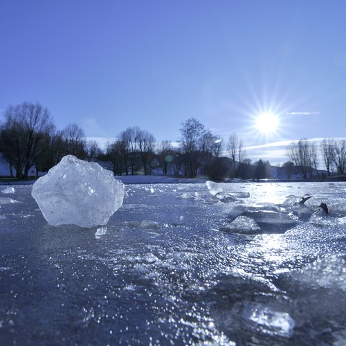 frozen lake_DSC0384.jpg
