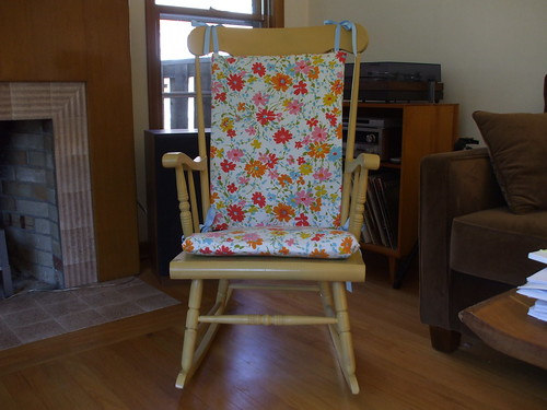 Rocking chair cushion patterns plans diy free download reclaimed wood projects woodwork safety - Rocking chair cushion diy ...