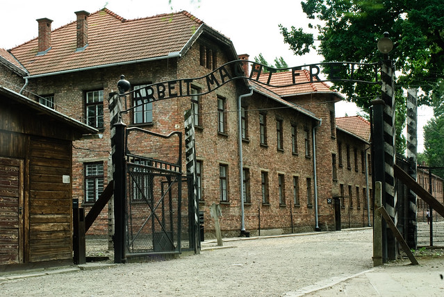 Entrance to Auschtiz with the words 'Arbeit Macht Frei'