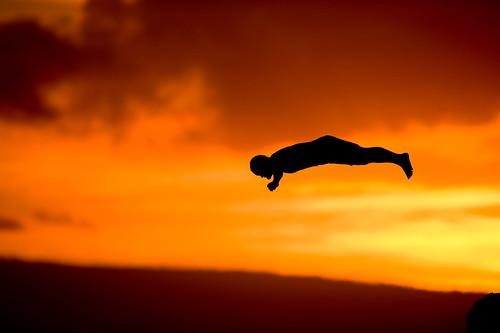 sunset topf25 silhouette hawaii topc50 ceremony maui getty hi diver kaanapali sheratonhotel cliffdiver anawesomeshot