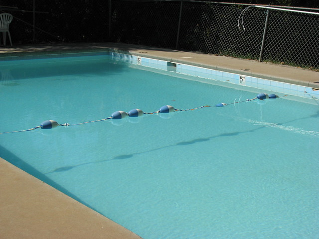 Swimming pool explore alex ford 39 s photos on flickr alex f flickr photo sharing for Knoxville public swimming pools