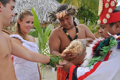 Polynesian wedding ceremony InterContinental Bora Bora  Le Moana Resort