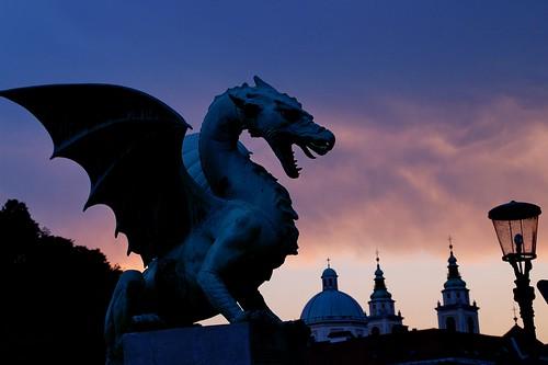 travel viaje sculpture geotagged dragon slovenia ljubljana eslovenia smörgåsbord helluva dragonbridge blueribbonwinner cherryontop luciojosémartínezgonzález luciojosemartinezgonzalez minoltaamount geo:lat=46052342555556 geo:lon=145101652222209 puentedeldragon