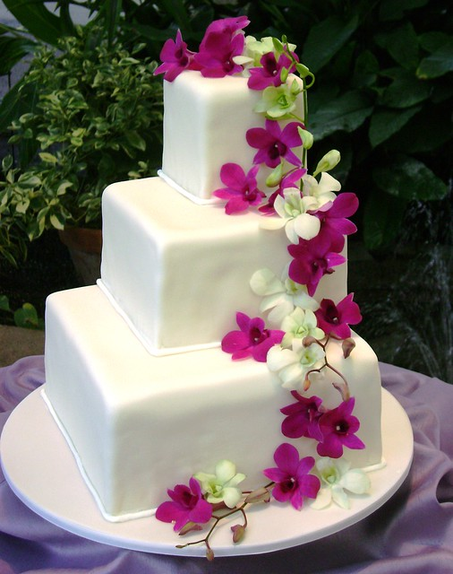 1000+ images about Square Wedding Cake Ideas on Pinterest ...