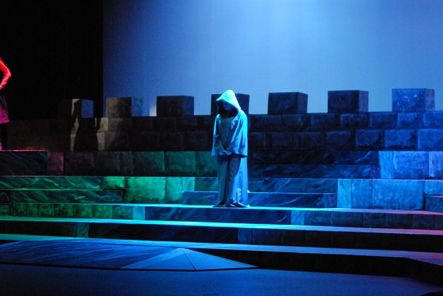 Camelot 4363 burnsville high school theatre guild for Burnsville theater