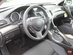 wheel(0.0), acura rdx(0.0), rim(0.0), honda(0.0), sports car(0.0), automobile(1.0), automotive exterior(1.0), vehicle(1.0), land vehicle(1.0), acura(1.0),