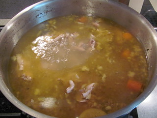 Chicken stock - mid-boil