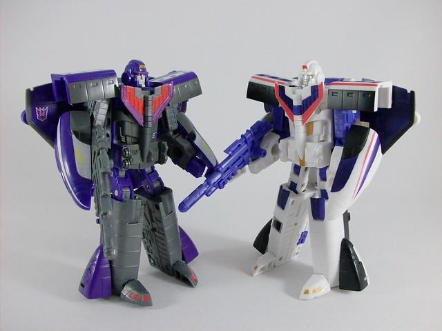 Transformers Astrotrain Classic Henkei - modo robot vs ...