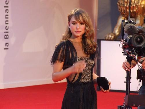 RED CARPET: Passerella per Natalie Portman