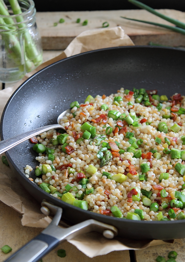 Fried couscous with bacon and asparagus