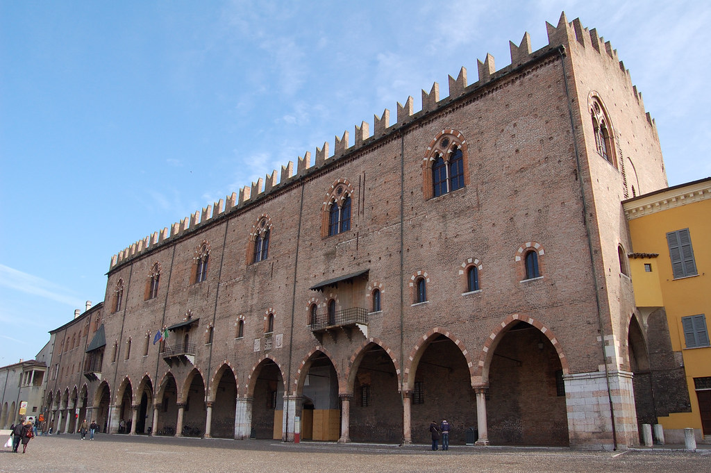 Chiesa della santissima trinit lombardie italie for Hotel mantegna meuble