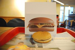 hamburger compared to photo on box