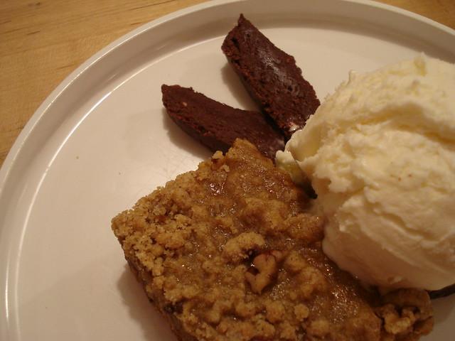 Pumpkin Pie Bar and Vanilla Yogurt | with Peppermint Fudge g ...