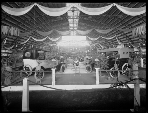 Motor show at King Edward Barracks, Christchurch, between 1921 and 1925