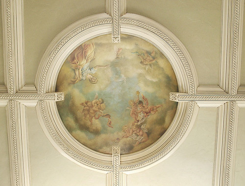 Cherubs and figure in dome