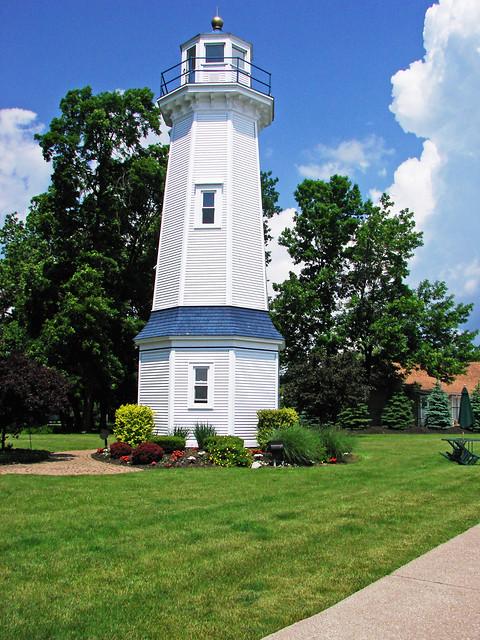 Grand Island Range (Front) Lighthouse, NY