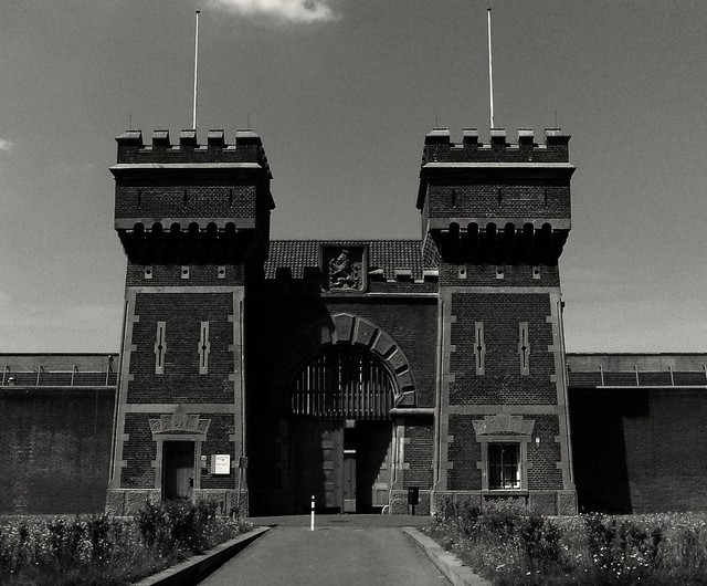 Scheveningen Prison, the gate stands open: Photographer escaped :-)