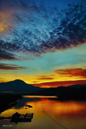 morning sun reflection clouds sunrise river nikon malaysia borneo kotakinabalu mountkinabalu sabah visualart d60 nikkor1855mm northborneo platinumphoto ultimateshot flickraward anythingwithwater allaboutthesun skyandonlysky