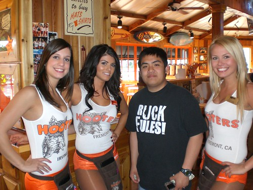 Hooters Fremont