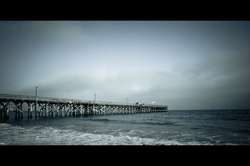 ocean california park blue sea summer sky usa beach topf25 colors santabarbara clouds strand digital america dark geotagged pier fishing nikon colorful waves seasons pacific cloudy tl framed perspective playa d200 nikkor dslr toned vignette goleta blueribbonwinner 18200mmf3556 utatafeature manganite nikonstunninggallery anawesomeshot aplusphoto repost1 date:year=2008 date:month=july date:day=23 geo:lat=34416438 geo:lon=119829673 format:orientation=landscape format:ratio=21 repost2