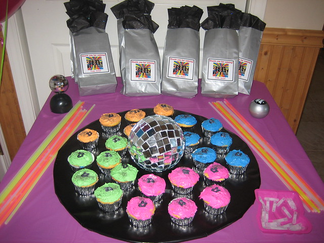 Disco dance party favors cake flickr photo sharing for 70 s decoration ideas