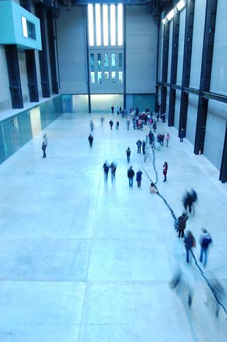 Doris Salcedo Installation Tate Modern