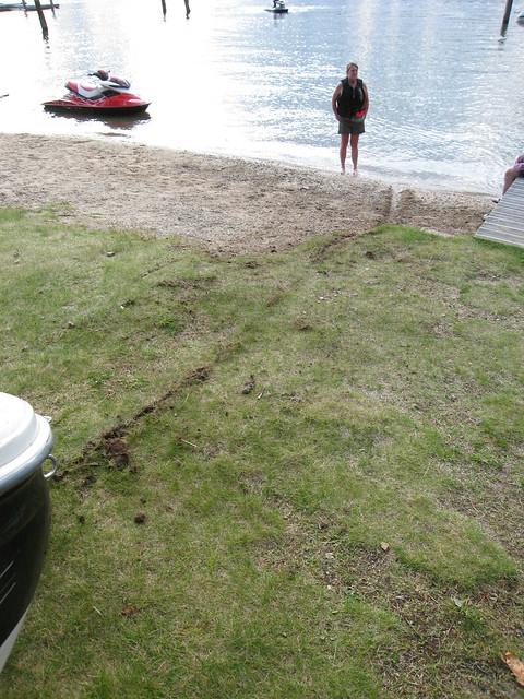 080830_002-Boat grounding