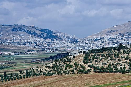 berg israel nikon day cloudy mount holy land gdk holyland heilige israël gerizim nikkor18200 ebal sichem shechem d7000 جبلجرزيم جبلعيبال ©gdk nikond7000 argarízim הרעיבל הַרגְּרִיזִּים hargərizzim