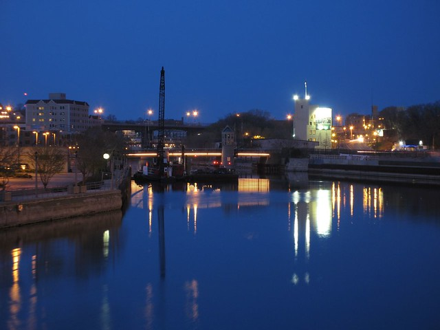 North to Pleasant St Bridge