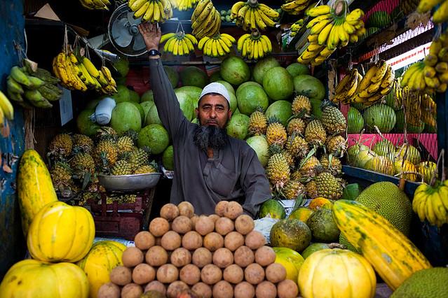 Fruit stall in Gulshan - Dhaka, Bangladesh