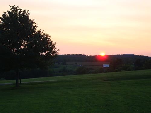 sunset sky ny newyork color tree dusk mountians howecarverns