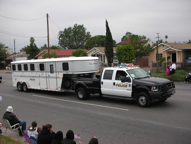LOS ANGELES COUNTY POLICE FORD DUALLY PICKUP TRUCK