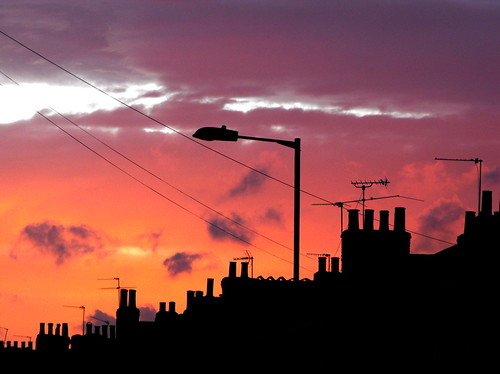 city houses sunset pordosol cidade sky urban colour london architecture backlight clouds casa calle arquitectura cg edificio ciudad paisaje urbana puestadesol hackney chimneys sunsetsunrise eastlondon chimenea paisaxe solpor gamewinner cruzadas citiescape colourartaward