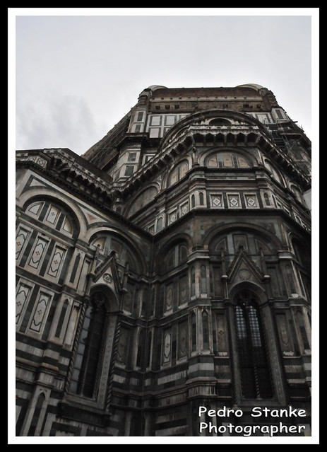 Side of the Duomo di Firense - Santa Maria del Fiore - Firense, Italy
