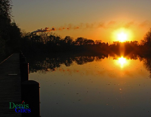 sunset sun ontario canada reflection nature thames canon river outdoors dock chatham powershots3 denisgiles