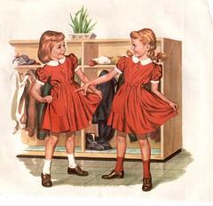 Imagen de chicas con idéntico vestido
