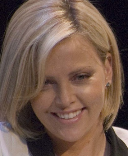 Conversation with Stuart Townsand_Charlize Theron 027