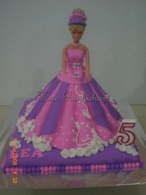 Barbie Fondant Cake Images : Barbie Cake - All fondant covered Flickr - Photo Sharing!