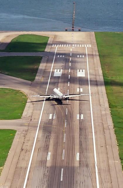 B-HYC A330-300 Dragonair