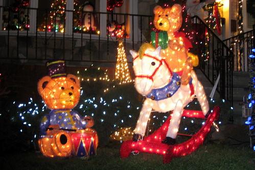 NYC - Brooklyn - Dyker Heights: Christmas Lights 2008