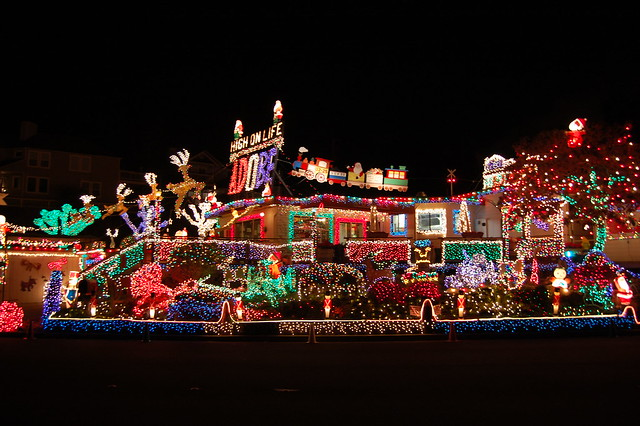3147113174 ab7faeb6a5 z Crazy Christmas Houses