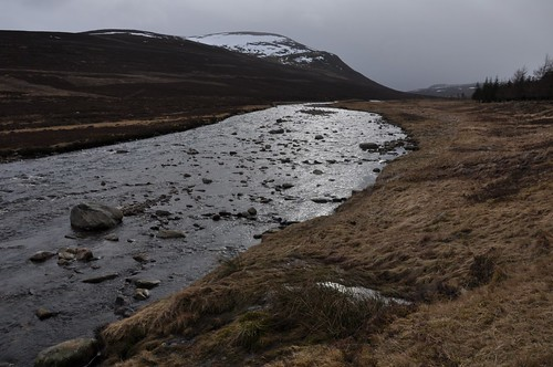 River Dee and Meall Tionail